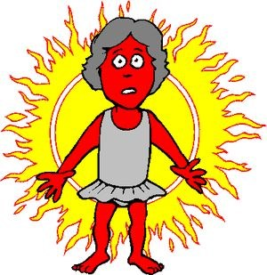 Девушка с красной кожей на фоне солнца