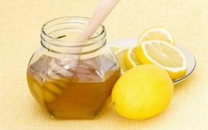 мед в банке и лимоны