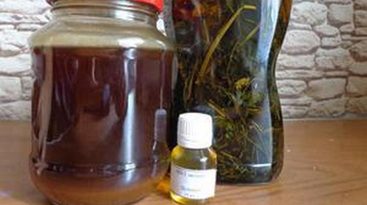 В состав домашней настойки элеутерококка войдет водка и корень растения.