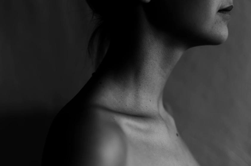 Рак горла (гортани): типы, причины, симптомы и лечение