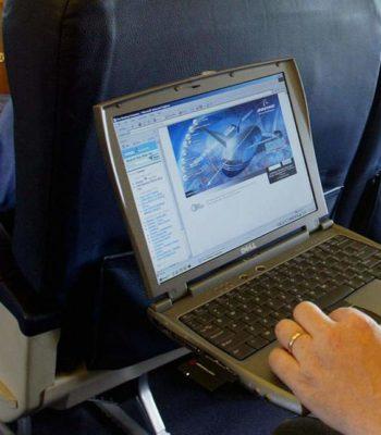 Входит ли ноутбук в ручную кладь и можно ли им пользоваться на борту самолета