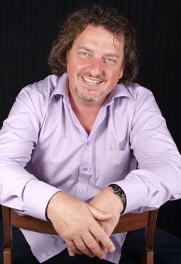 Олег Анатольевич Гнетов, Генеральный директор зуботехнической лаборатории «Дентал Практик»