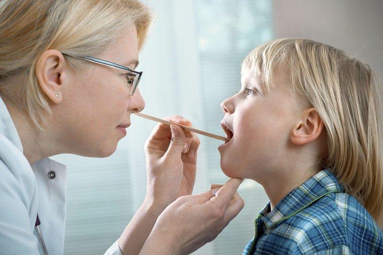 Лечение пневмонии у детей - первые признаки и методы терапии
