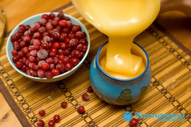 Выдавить сок, смешать его с натуральным медом