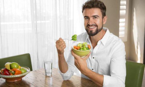 Рекомендуется пить таблетки после приема пищи, чтобы снизить риск заболеваний