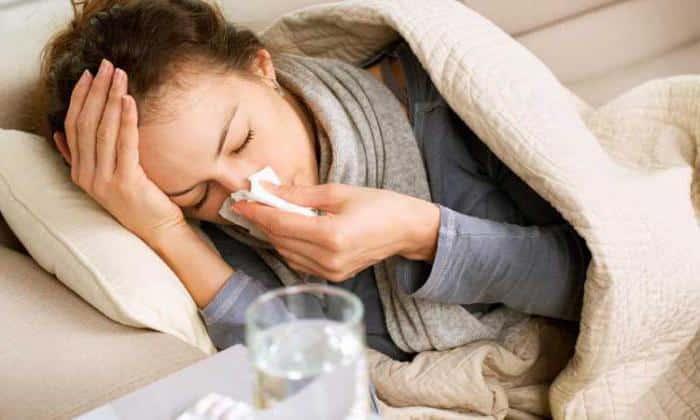 При синусите в острой фазе препарат принимают 1 неделю