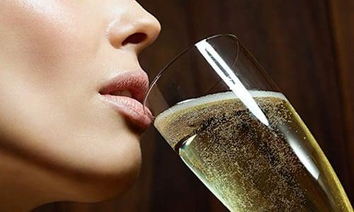 Не рекомендован совместный прием препарата Армадин Лонг и алкогольных, спиртосодержащих напитков