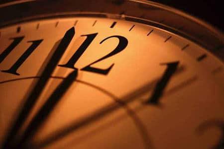 часы со стрелкой на 12