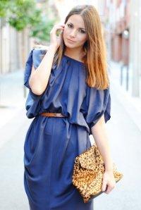 Давайте подберем макияж под синее платье.