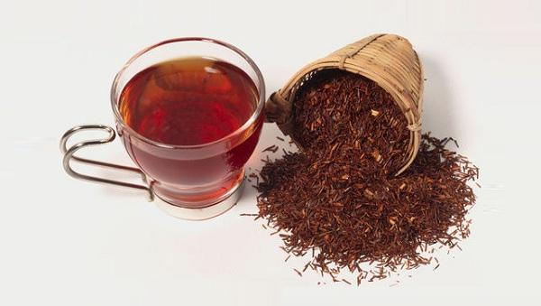 Заваривается чай ройбуш также, как и обычный