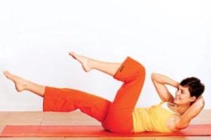 Упражнение на коврике