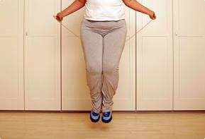 Прыжки на скакалке не только улучшают фигуру но и полезные.