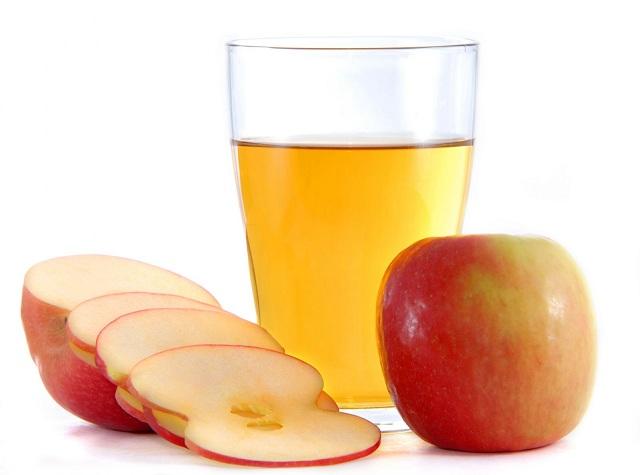 Яблочный уксус – сок из яблок, прошедший процесс брожения и окисления