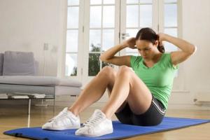 Утренняя зарядка поможет справится с лишним весом.